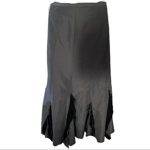 Spanner Black Midi Skirt with Velvet Ruffles 2